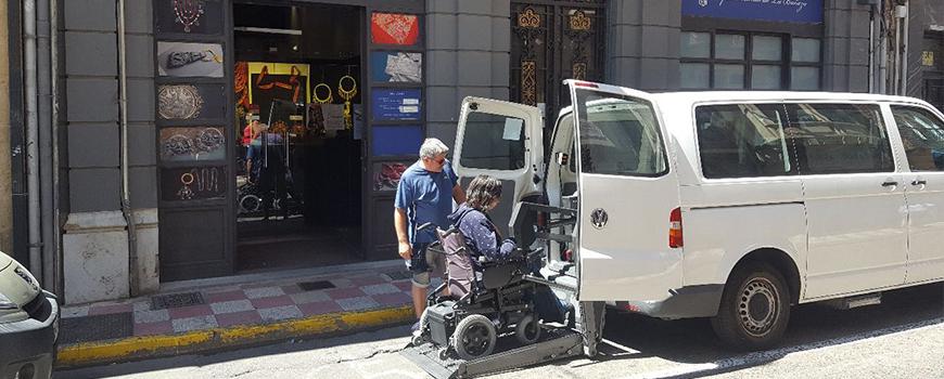 Transporte y acompañamiento a personas con discapacidad del Bierzo