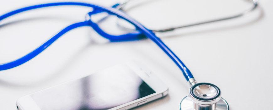 sanidad-preve-facilitar-un-lector-ocular-a-personas-con-ela