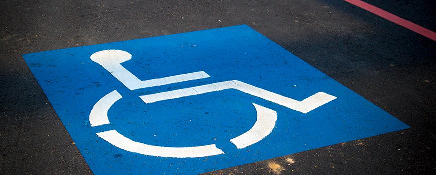 tarjeta-temporal-de-aparcamiento-para-enfermos-con-problemas-graves-en-salamanca